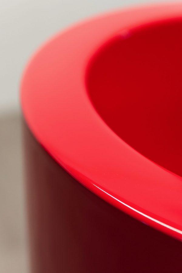 Particolare vaso verniciato a liquido
